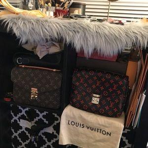 Louis Vuitton metis collection